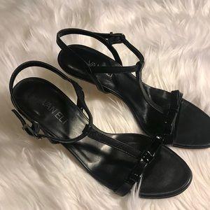🆕 NWOT Vaneli Black Leather T-strap Sandal